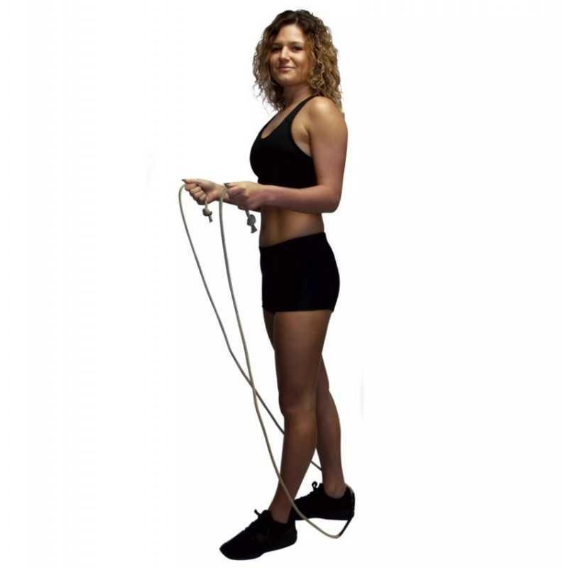 femme corde a sauter naturel